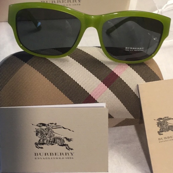 464c3beb29f4 Burberry Accessories - Burberry women s sunglasses